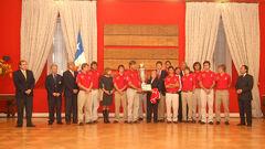 Bachelet y campeones de polo