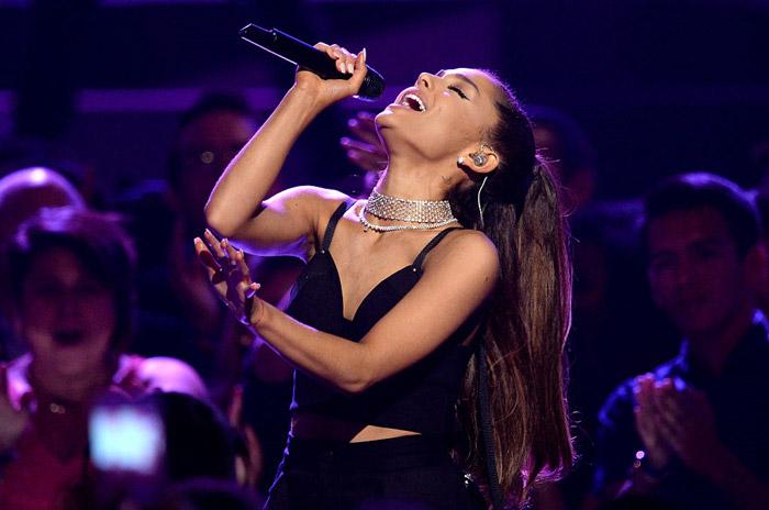 Ariana-grande-bbma-2016