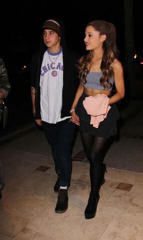 File:Ariana-grande-jai-brooks-12.jpeg