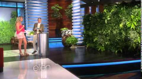 Ariana Grande, surprise behind the bush in Ellen Show!!