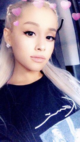 File:Ariana's Snapchat Story 11-24-17.jpg
