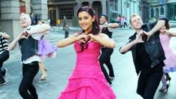 Ariana-grande-put-your-hearts-up-video