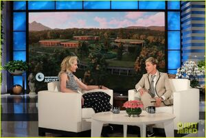 2019 AD on The Ellen Show - Portia de Rossi 02