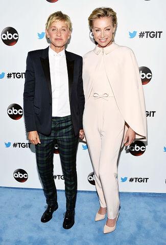 File:2014 LA TGIT Premiere Event - Ellen and Portia 01.jpg