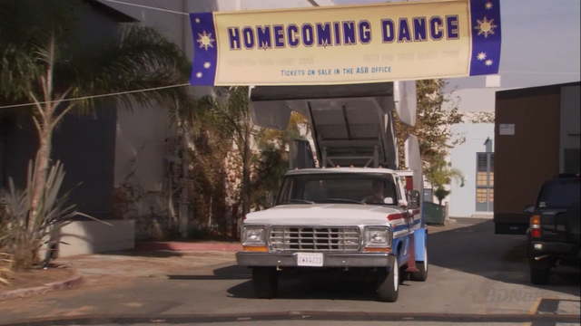 File:2x08 Queen for a Day (03).png