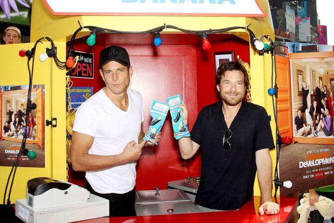 2013 Banana Stand Tour - Will Arnett and Jason Bateman 01