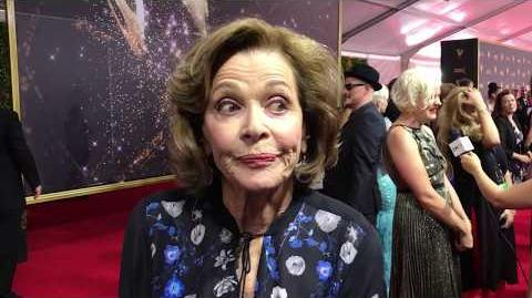 Jessica Walter (Archer, Arrested Development) on red carpet at 2017 Creative Arts Emmys