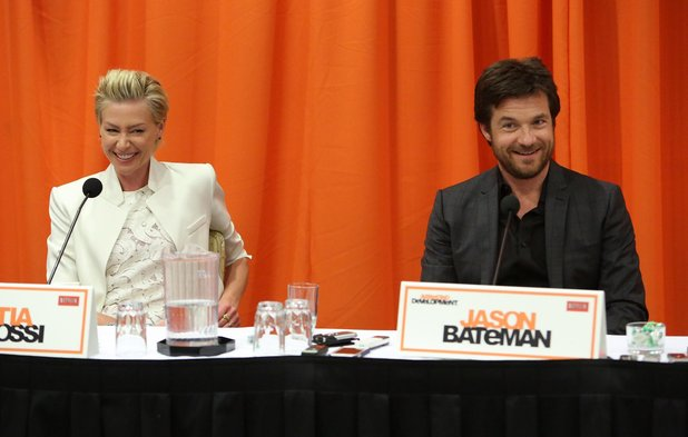 File:2013 Netflix Press Conference - Portia and Jason 03.jpg