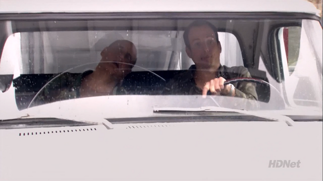 File:2x18 Righteous Brothers (25).png