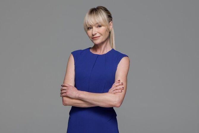 Season 5 Character Posters - Lindsay 02