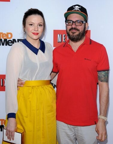 File:2013 Netflix S4 Premiere - David and Amber 03.jpg