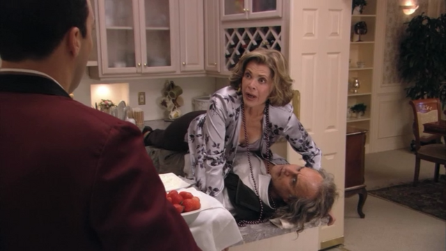 File:2x03 Lucille (3).png