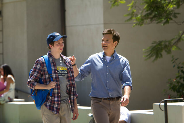 File:4x01 - George Michael and Michael Bluth 01.jpg