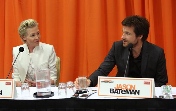 File:2013 Netflix Press Conference - Portia and Jason 01.jpg