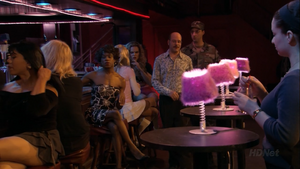 2x08 Queen for a Day (29)