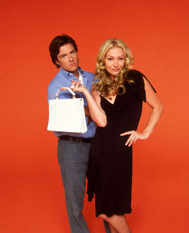 File:Season 1 Character Promos - Michael and Lindsay Bluth 02.jpeg