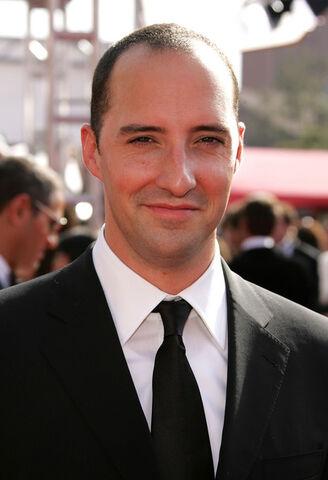 File:2005 Primetime Emmy Awards - Tony Hale 02.jpg