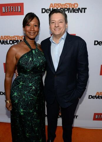 File:2013 Netflix S4 Premiere - Ted and Nicole 01.jpg