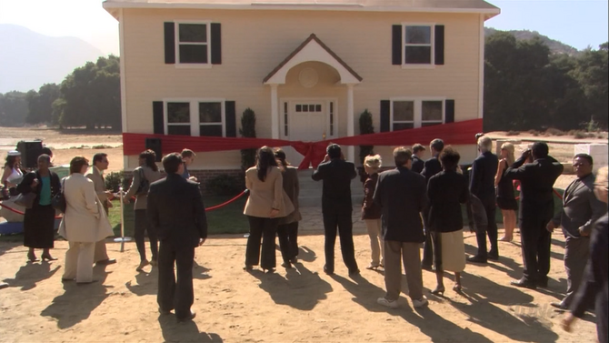 2x02 The One Where They Build a House (103)
