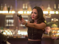 8.the-flash-episode-welcome-earth-2-iris-candice