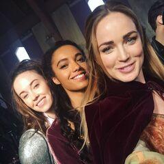 Guenièvre, Amaya et Sara