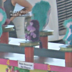 Beebo va apparaître lors d'une scène dans une fête foraine.