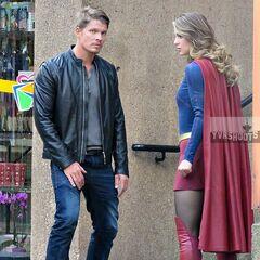 Supergirl avec <b><a class=
