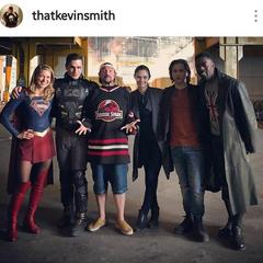 Supergirl, Agent Liberty, Kevin Smith (réalisateur), Nia, Brainy et Black Manchester
