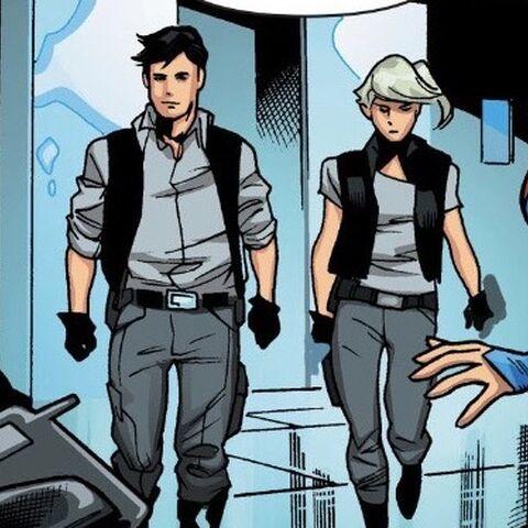 Les agents Jeremiah et Eliza Danvers dans les Comics