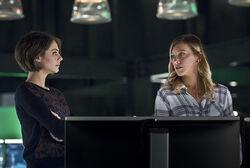 4.Arrow.Eleven-Fifty-Nine.Thea et Laurel