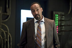 16.The Flash The Present-Joe West