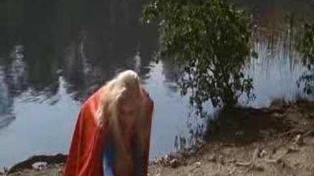Supergirl - Helen Slater