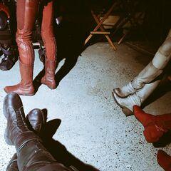 des pieds de super héros