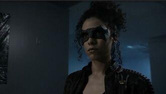 Arrow-saison-7-episode-4 Zoe Ramirez