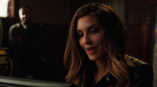 Dinah tells Diggle about Vinnie