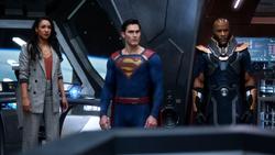 Iris, Clark e Novu