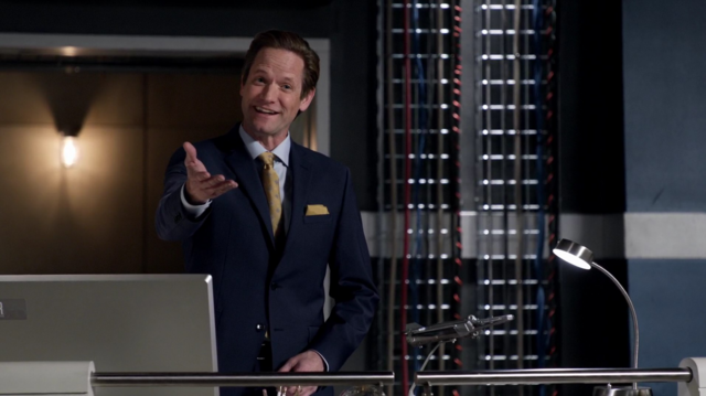 File:Thawne as the owner of S.T.A.R. Labs.png