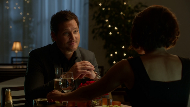 File:Alex Danvers and Maxwell Lord at dinner.png