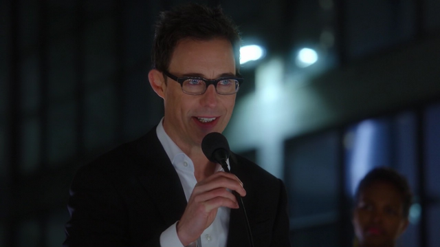 File:Eobard hosts the accelerator event.png