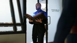 Lex usa el Libro del Destino