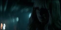 Alice descubre como matar a Batwoman