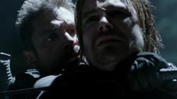 Slade amenaza a Oliver