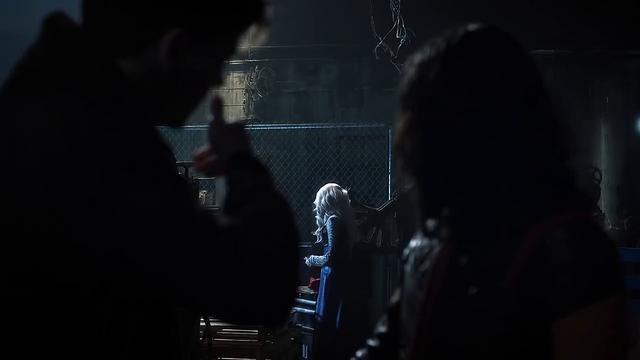 File:Savitar threatens to kill Killer Frost.png