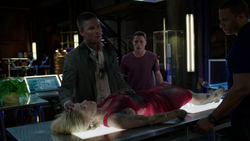 Oliver brings Felicity to the Arrowcave after Werner Zytle's attack