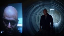 Vartox talking to the commander