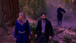Supergirl, Ryan and Lex on Maltus