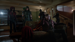 Team Arrow confronts Lonnie Machin