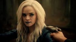 Cisco holds Killer Frost at gunpoint
