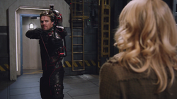Oliver threatens Felicity