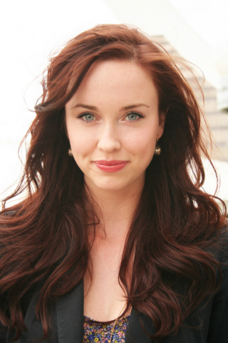 File:Elyse Levesque.png